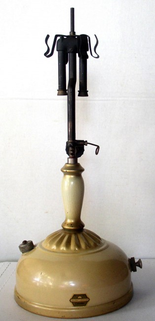 Coleman 132A Lamp 2