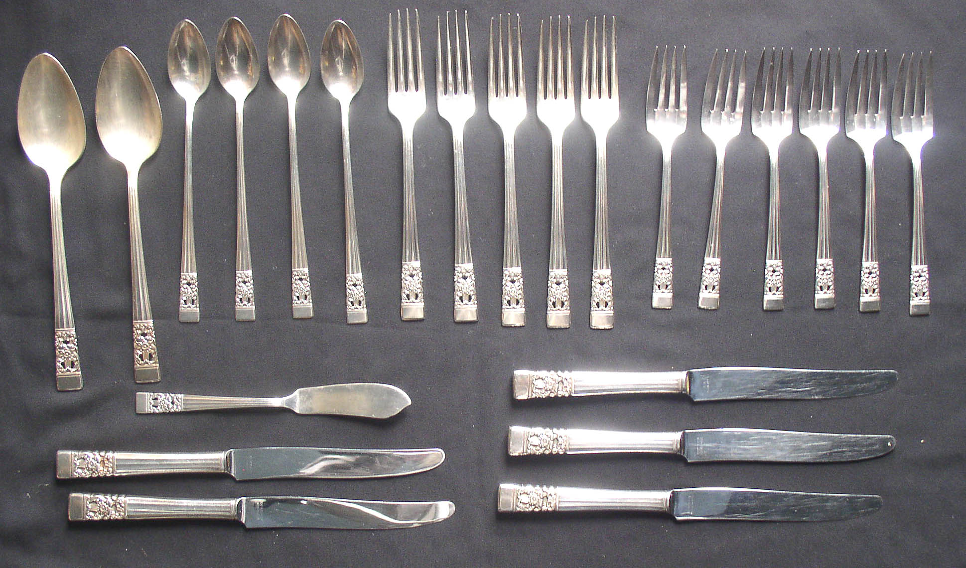 Community silverware patterns - TheFind