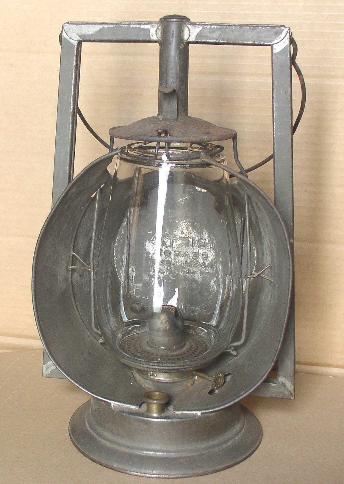 R.E. Dietz Kerosene Lanterns Compendium