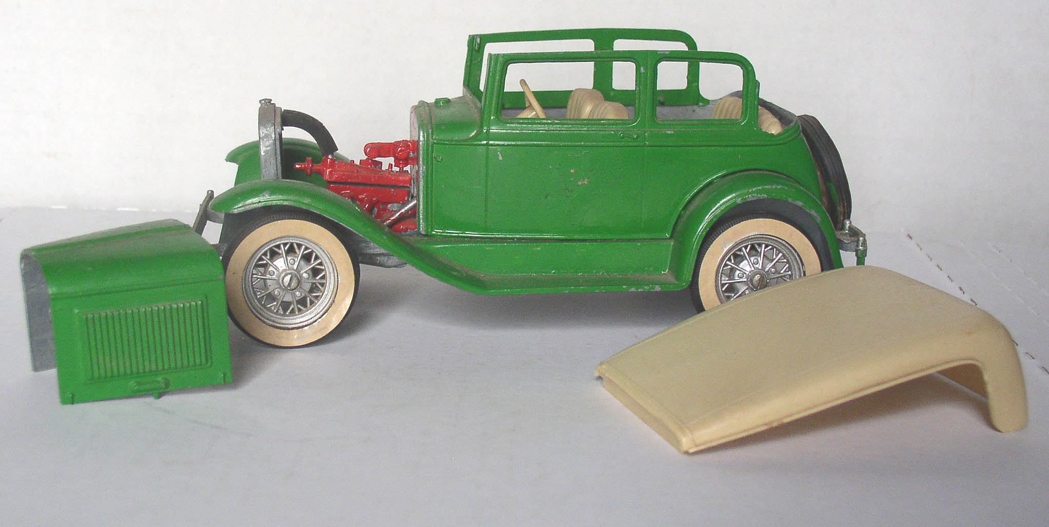 Hubley metal model car kits 12
