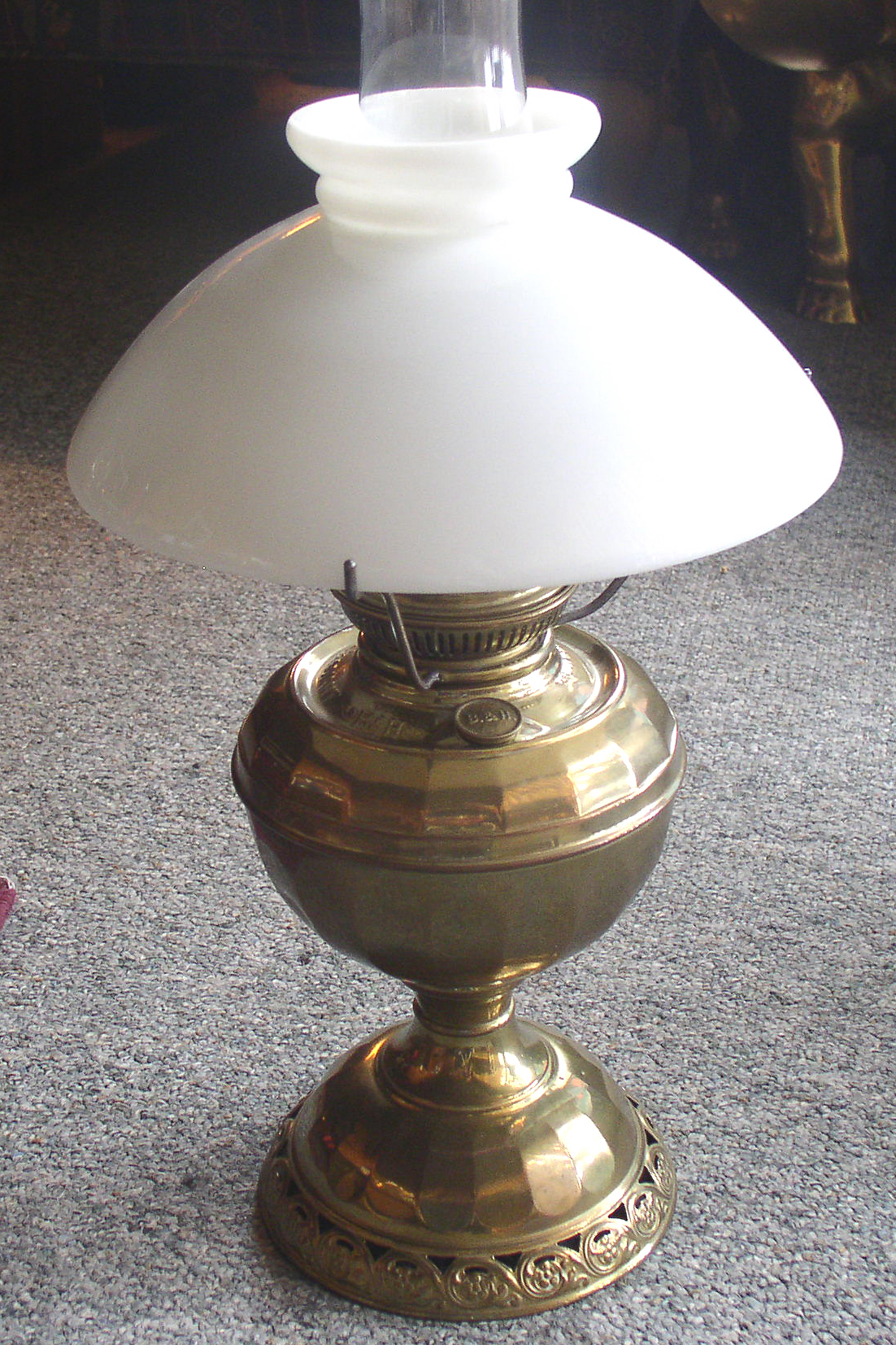 Empire Auto Sales >> Bradley & Hubbard B&H No. 4 Radiant Brass Oil Lamp – Thingery Previews Postviews & Thoughts