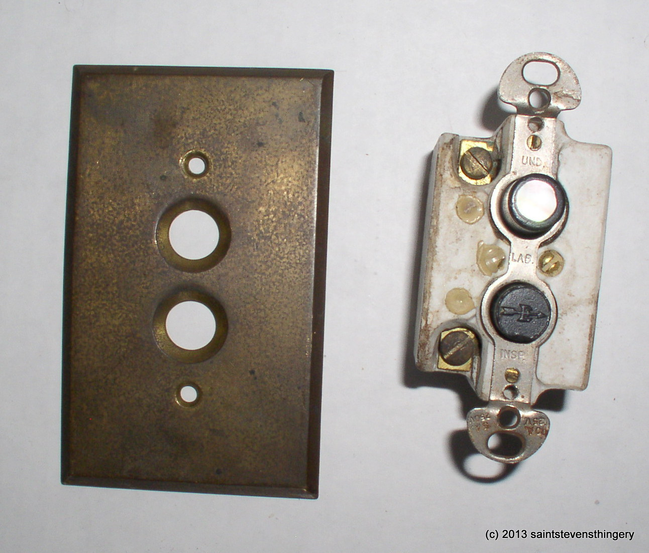 vintage arrow push button light switch brass switch plate cover. Black Bedroom Furniture Sets. Home Design Ideas