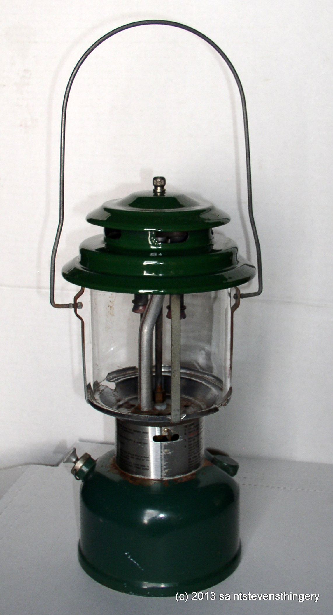 Old 9 73 Coleman Model 220h Gas Lantern With Red Pyrex