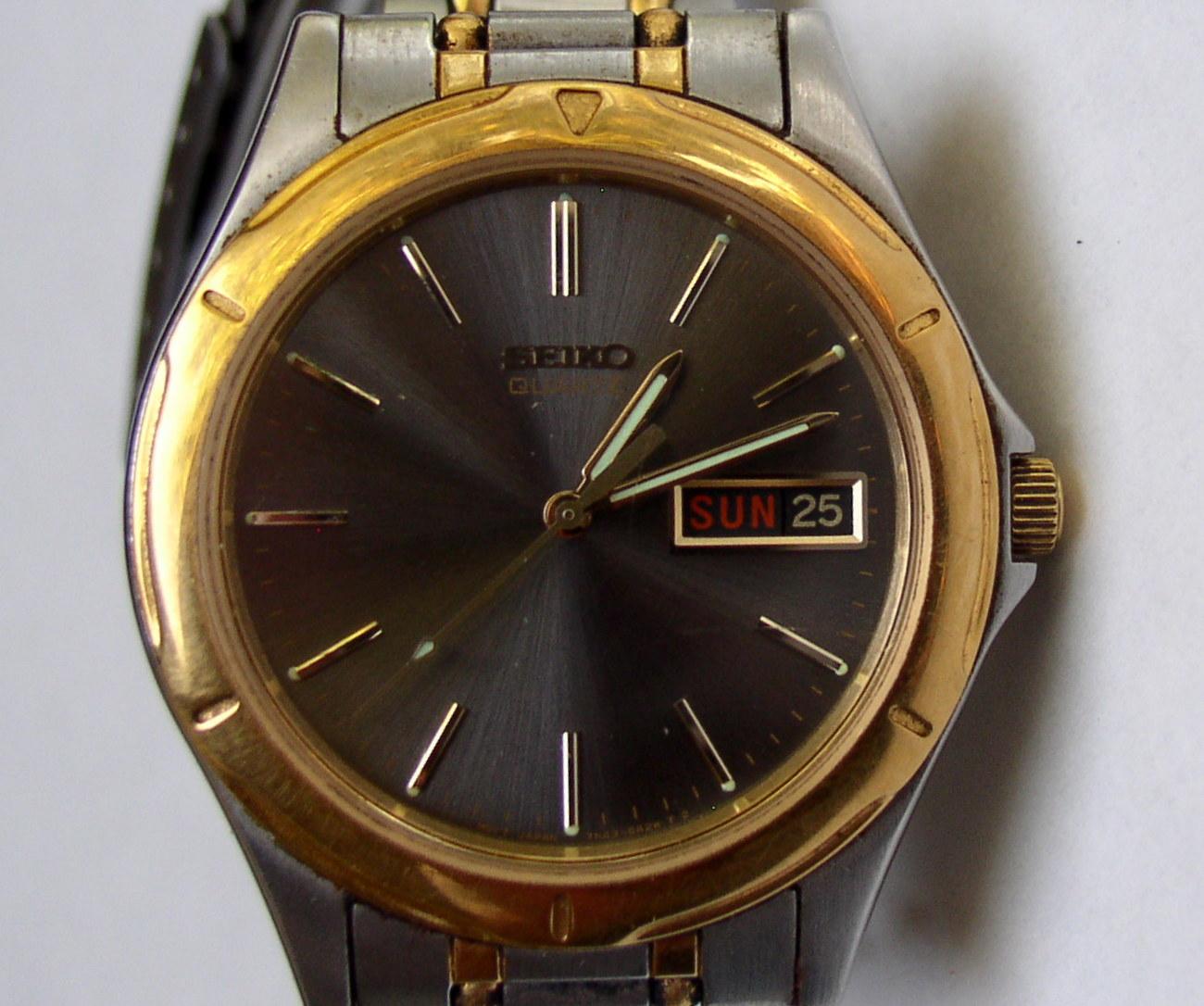 Empire Auto Sales >> Vintage Seiko Quartz SS Day/Date Mens Watch 7N43-6A09 A4 ...