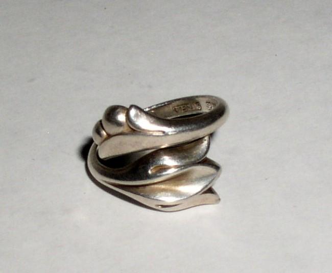 Avon Ring 4
