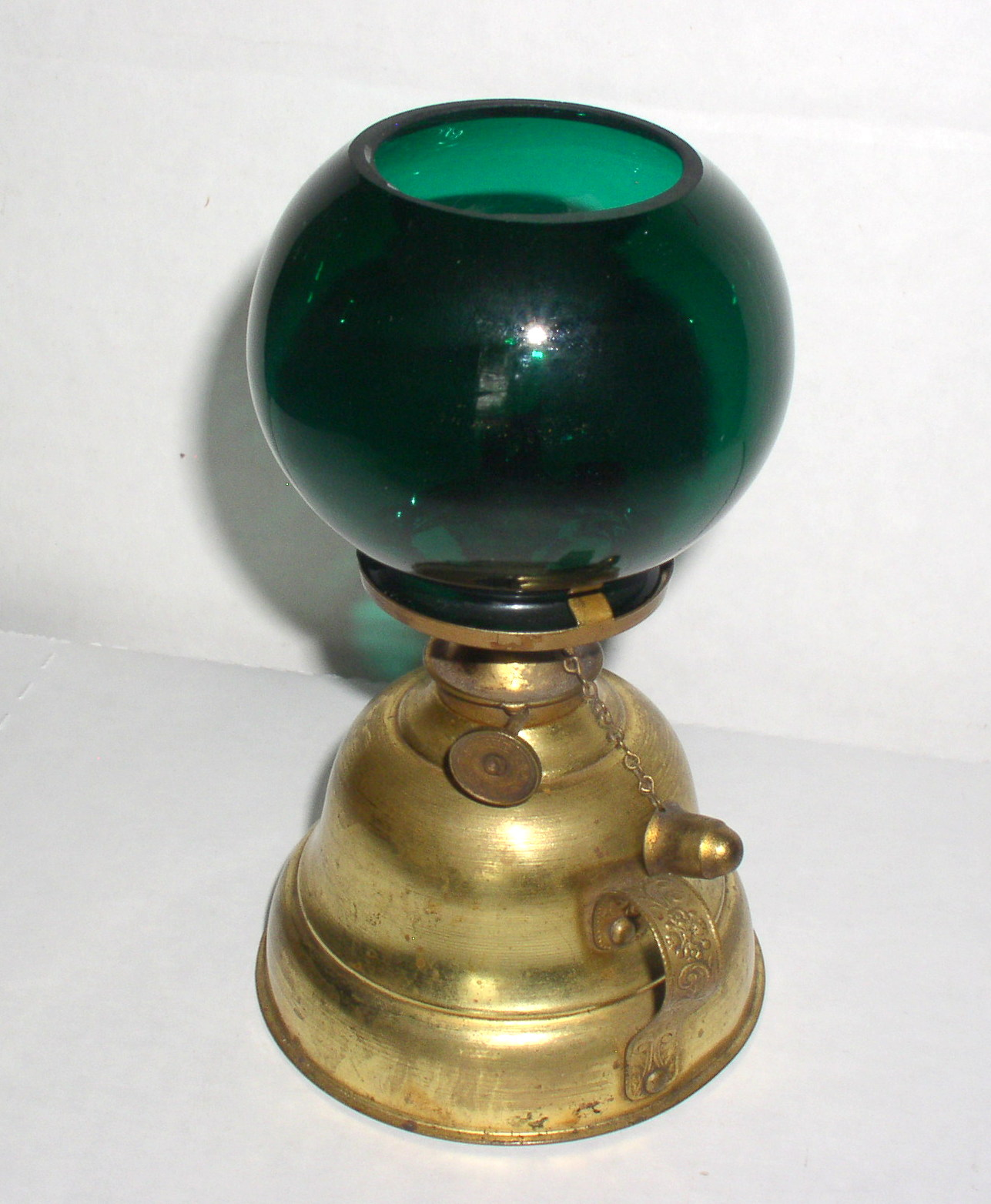 Metal Ball Lamp Shade: Antique Brass Finger Oil Lamp With Green Cigar Lighter
