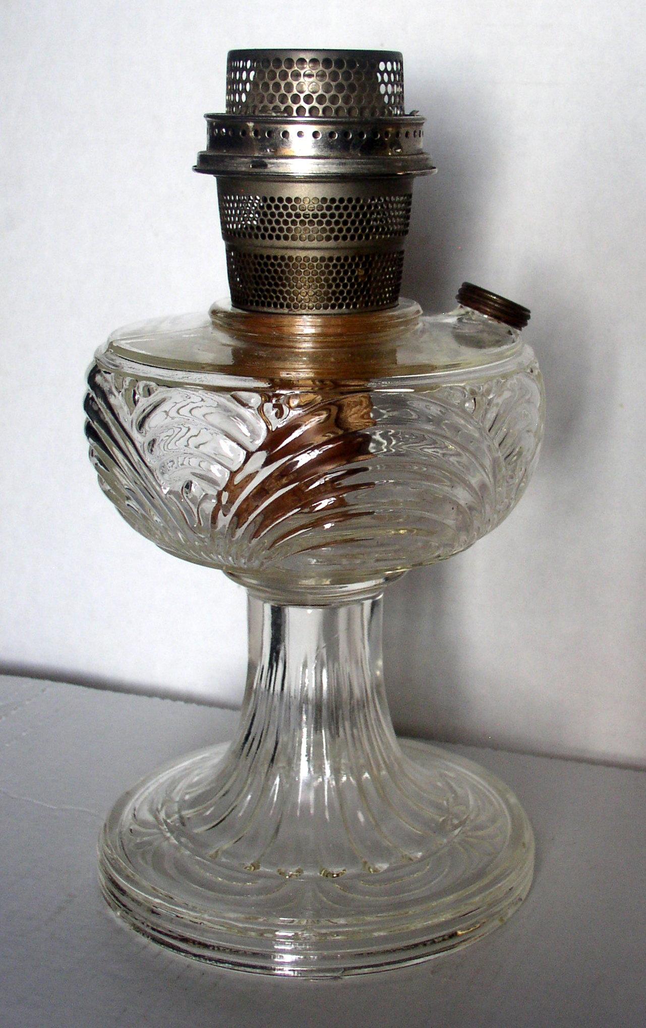 Aladdin B 39 Clear Washington Drape Round Base Lamp