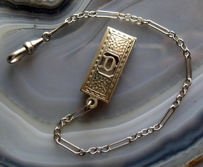 Monogram Belt Loop Chain 1