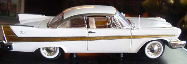 Plymouth Fury Die Cast 1