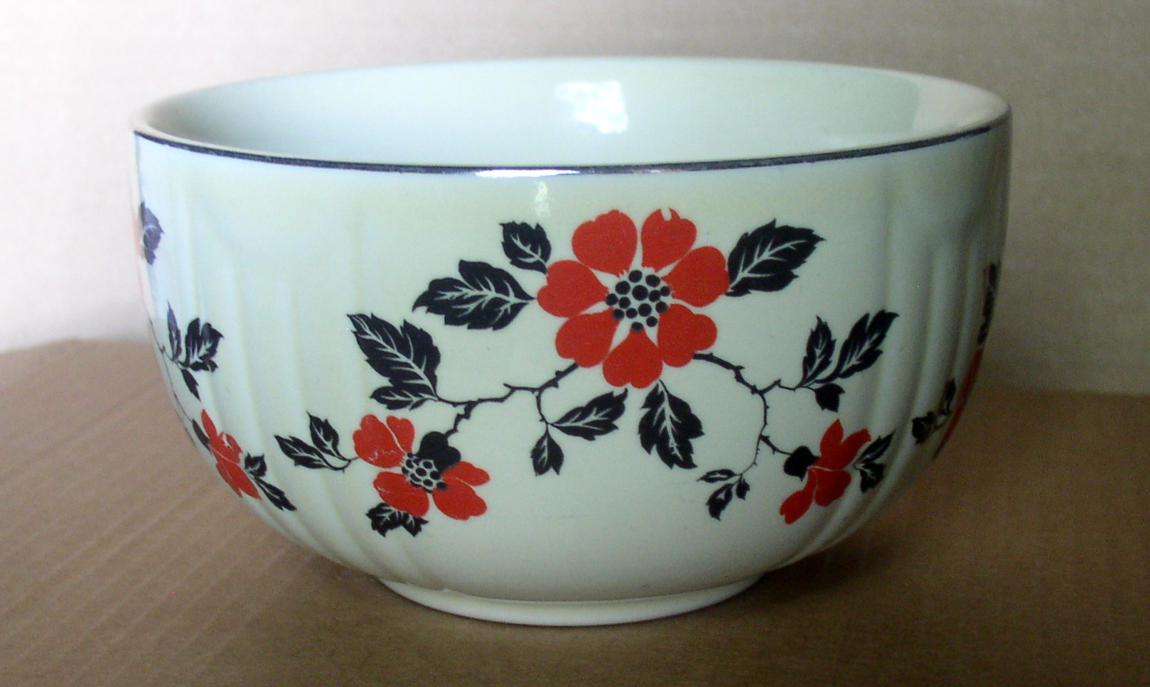 Beautiful Hall Radiance Red Poppy Mixing Bowl 1