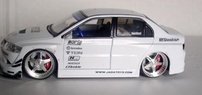 Mitsubishi Lancer Evolution VIII 2