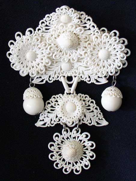 filigree brooch 1
