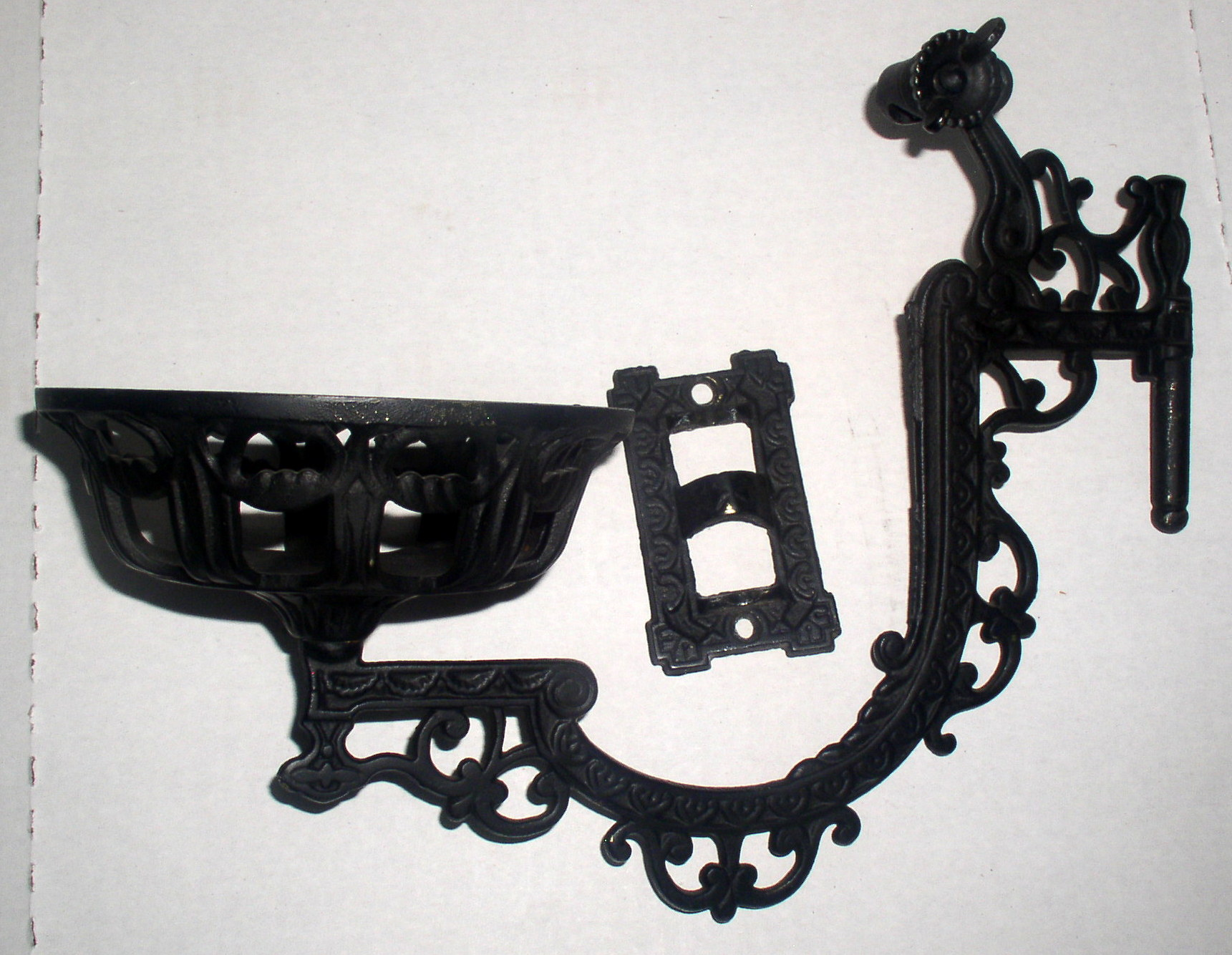Antique Cast Iron Wall Mount Kerosene Oil Lamp Bracket Holder, Complete Thingery Previews ...