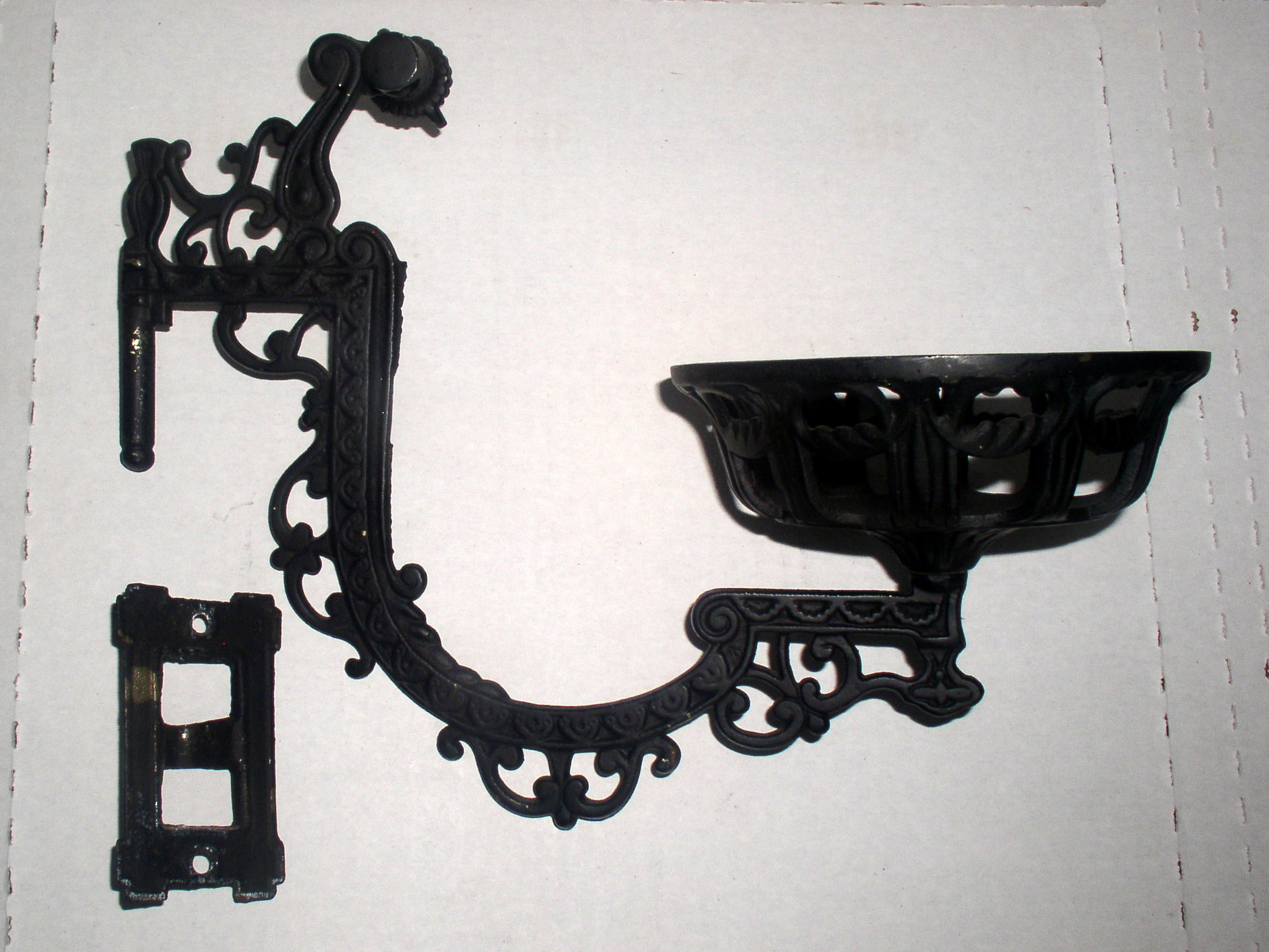 Wall Mount Lamp Bracket : Antique Cast Iron Wall Mount Kerosene Oil Lamp Bracket Holder, Complete Thingery Previews ...