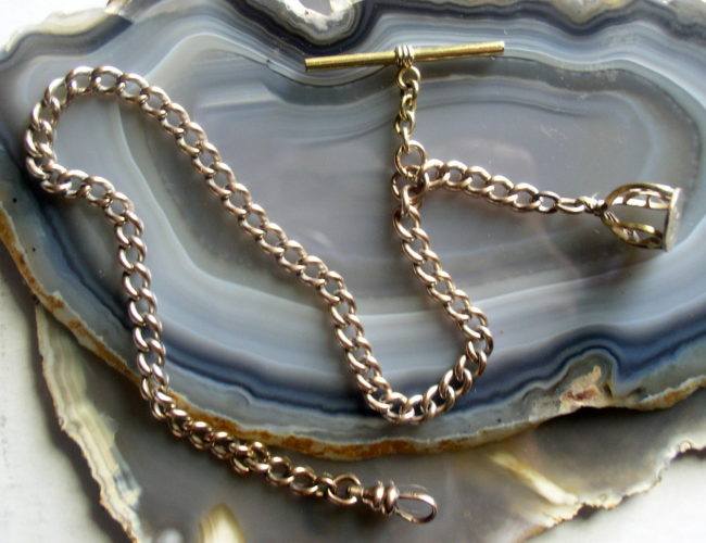 Chain With Seal 2