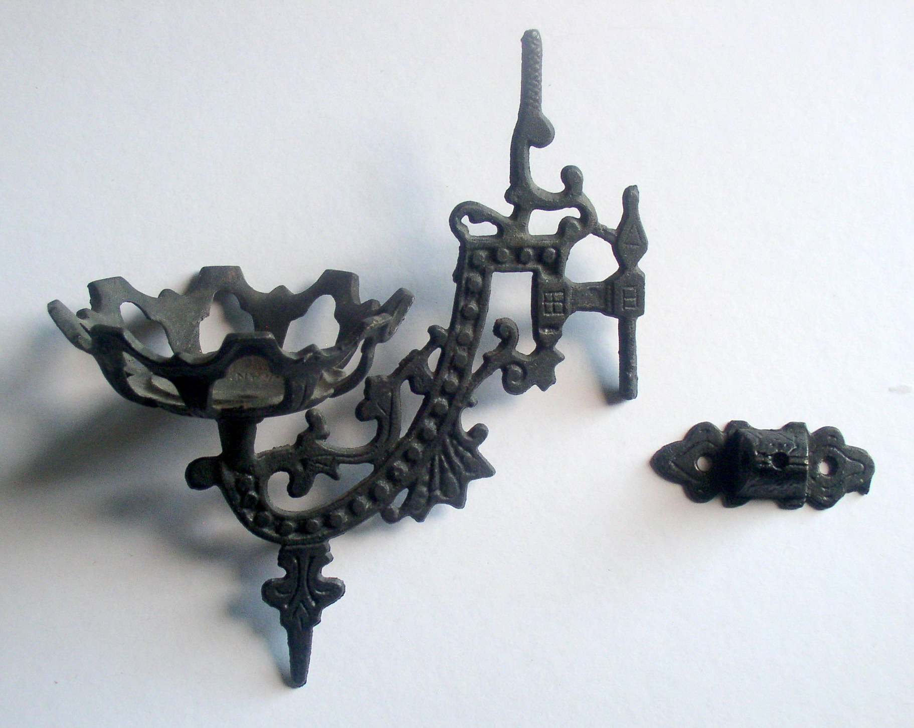 Wall Mount Oil Lamp Holders : Cast Iron Wall Mount Bracket Kerosene Oil Lamp Holder, Complete Thingery Previews Postviews ...